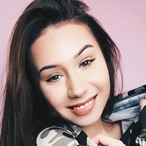 Celina Blogsta 5 of 6