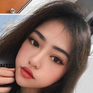 Celine Tan 3 of 6