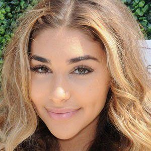 Chantel Jeffries 3 of 10