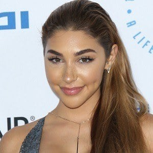Chantel Jeffries 4 of 10
