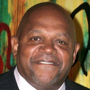 Charles Dutton 6 of 9