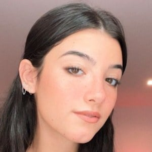 Charli D'Amelio 9 of 10