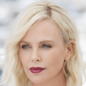 Charlize Theron 6 of 10