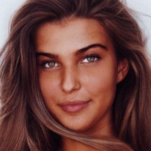Charlotte D'Alessio 4 of 8