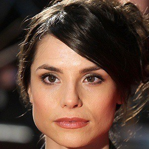 Charlotte Riley 5 of 5