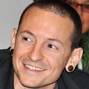 Chester Bennington 4 of 10