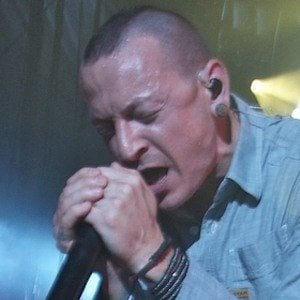 Chester Bennington 8 of 10