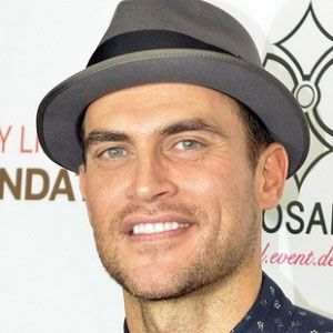 Cheyenne Jackson 2 of 10