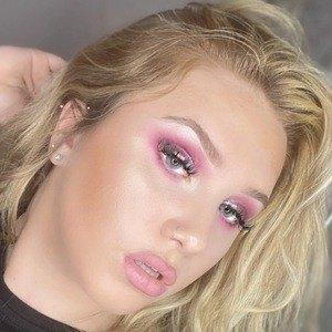 Chloe Calandra 2 of 10