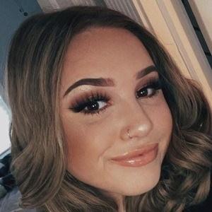 Chloe Calandra 5 of 10