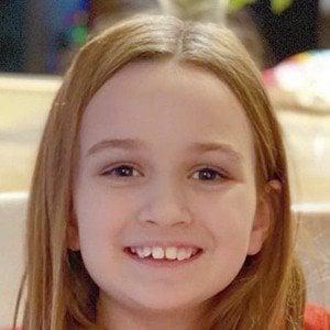 Chloe Clem Headshot 8 of 10