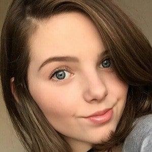 Chloe Csengery 2 of 5
