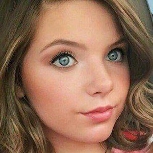 Chloe Csengery 4 of 5