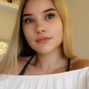 Chloe Millinson 3 of 5