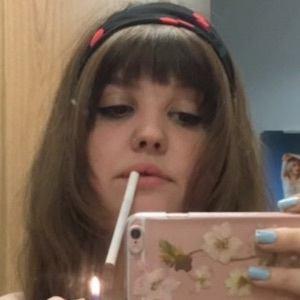 Chloe Sheppard 4 of 9