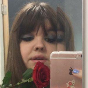 Chloe Sheppard 8 of 9
