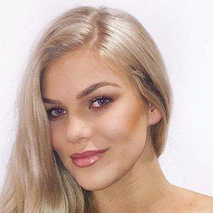 Chloe Szepanowski 7 of 9
