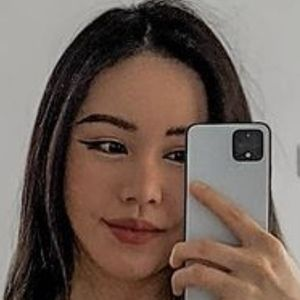 Chloe Ting 4 of 6