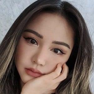 Chloe Ting 5 of 10