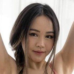 Chloe Ting 7 of 10