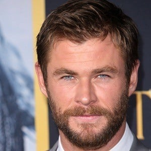 Chris Hemsworth 6 of 10