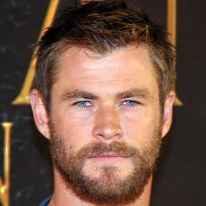 Chris Hemsworth 8 of 10