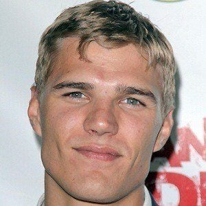 Chris Zylka 5 of 10
