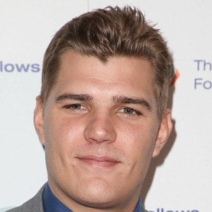 Chris Zylka 7 of 10
