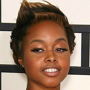 Chrisette Michele 5 of 7