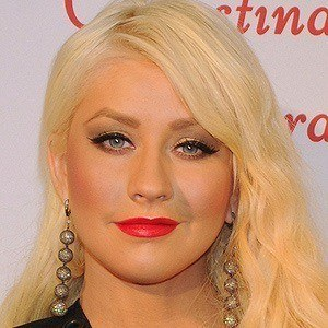 Christina Aguilera 4 of 10