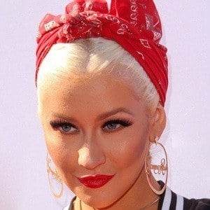 Christina Aguilera 6 of 10