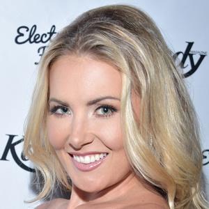 Christina Riordan 4 of 5