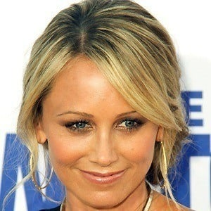 Christine Taylor 3 of 4