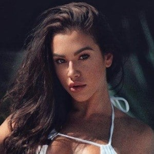 Chrystiane Lopes 3 of 10
