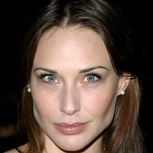Photo of Claire Forlani and her 2018 dressy make up style, products & tips