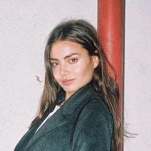 Clara Aparicio 5 of 5