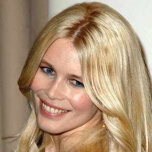 Claudia Schiffer 8 of 10