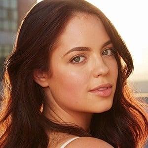 Claudia Sulewski 4 of 9