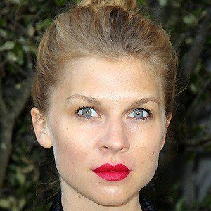 Clemence Poesy 3 of 8