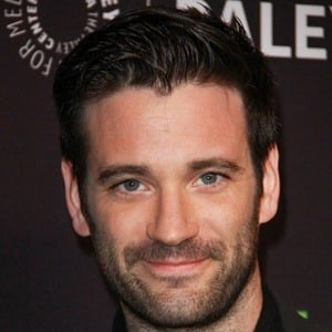 Colin Donnell 5 of 9
