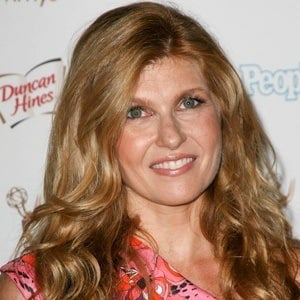 Connie Britton 6 of 10