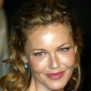 Connie Nielsen 4 of 6