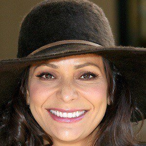 Constance Marie 4 of 10