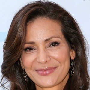 Constance Marie 8 of 10