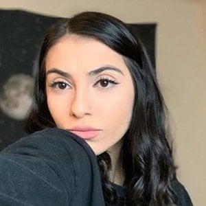 Corrina Gama 2 of 6