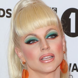 Courtney Act 5 of 7