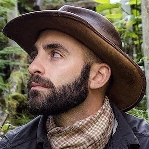 Coyote Peterson 3 of 5