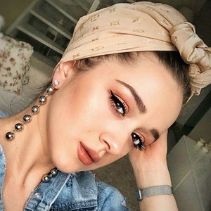 Cristina Elif Boboc 3 of 6