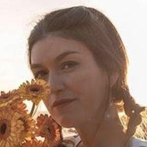 Cristina Cerqueiras Headshot 8 of 10