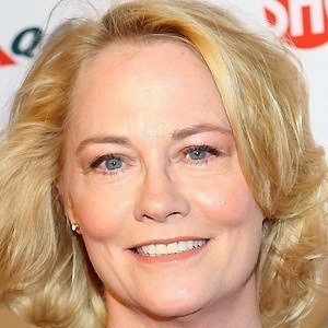 Cybill Shepherd 4 of 9